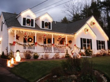 Gergerous Indoor Decoration Ideas With Christmas Lights03