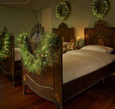 Gergerous Indoor Decoration Ideas With Christmas Lights06