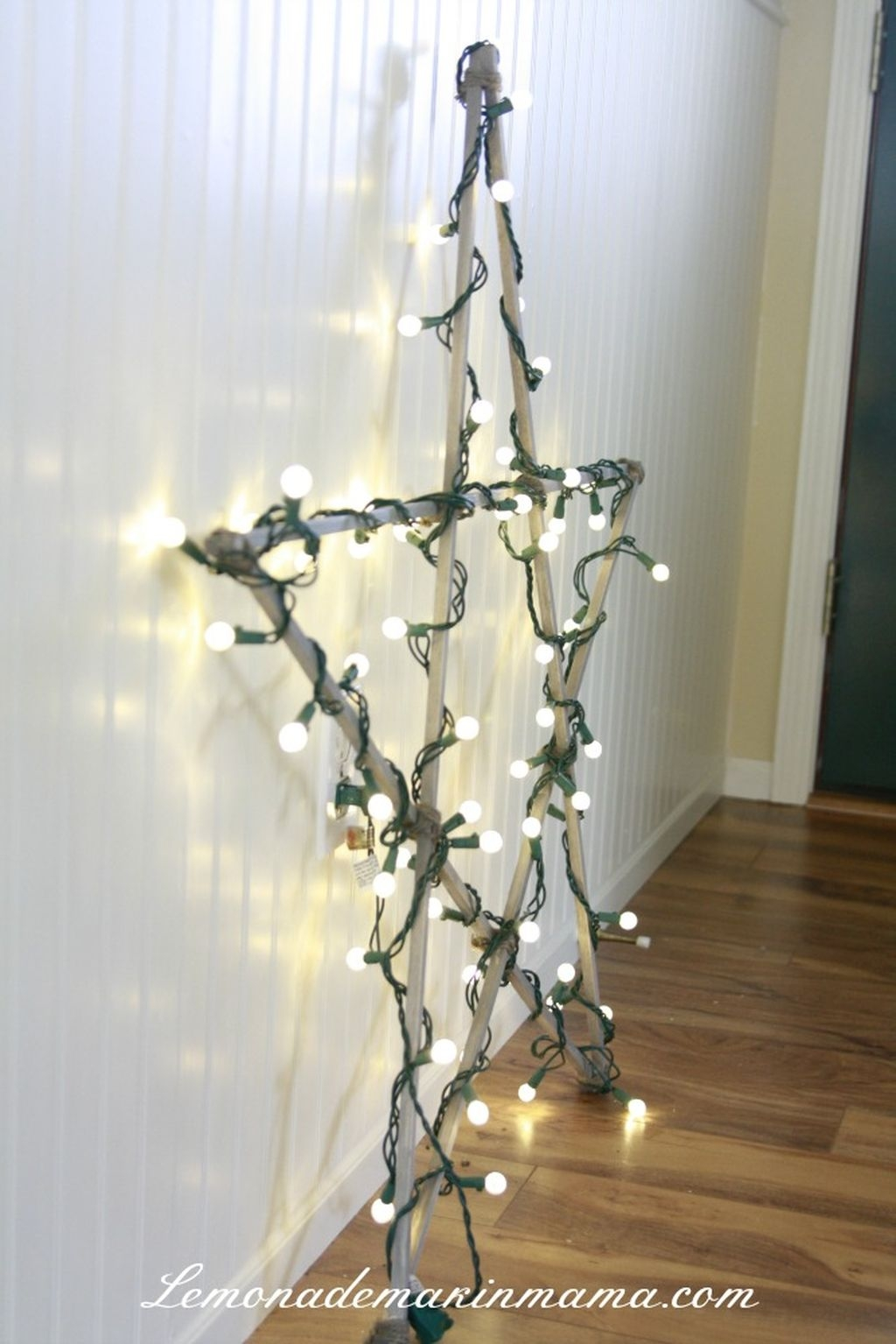 Gergerous Indoor Decoration Ideas With Christmas Lights21