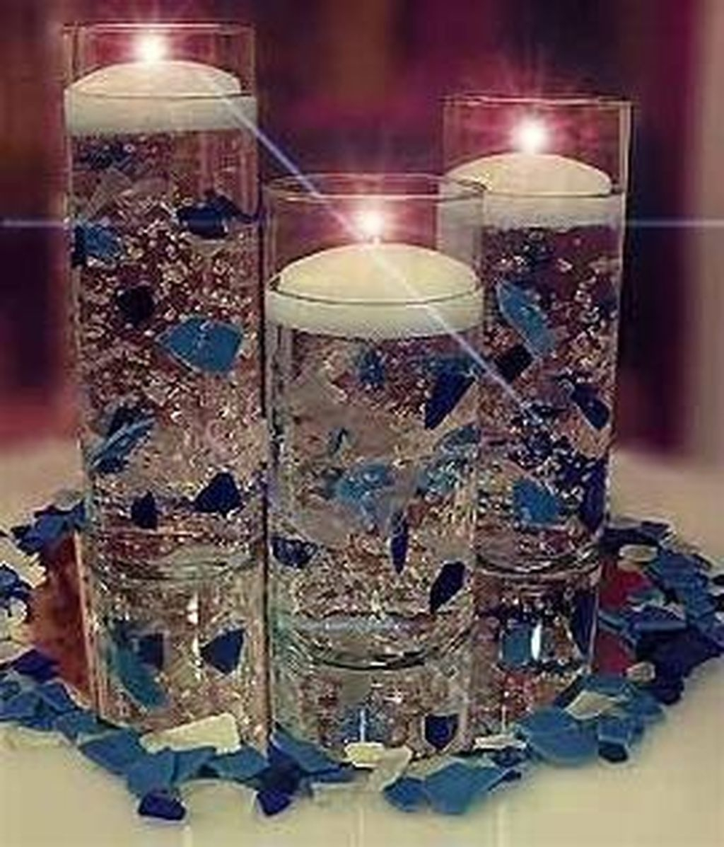 Romantic Christmas Centerpieces Ideas With Candles 04