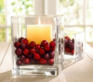 Romantic Christmas Centerpieces Ideas With Candles 09