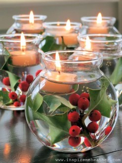 Romantic Christmas Centerpieces Ideas With Candles 41
