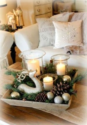 Romantic Christmas Centerpieces Ideas With Candles 56