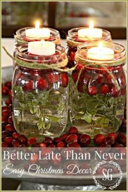 Simple And Easy Christmas Centerpieces Ideas18