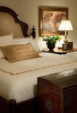Totally Adorable French Bedroom Decoration Ideas06