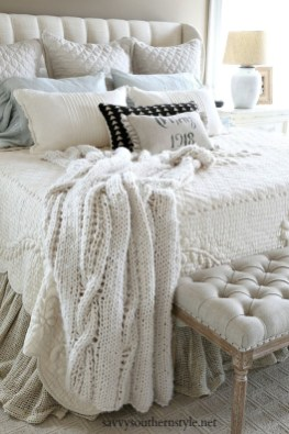 Totally Adorable French Bedroom Decoration Ideas32