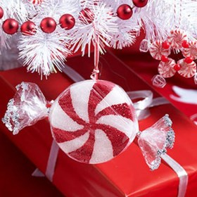 Totally Fun Candy Cane Christmas Decoration Ideas For Your Home27