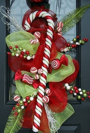 Totally Fun Candy Cane Christmas Decoration Ideas For Your Home43