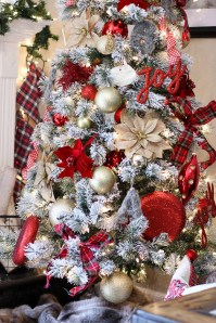 Totally Inspiring Red And Gold Christmas Decoration Ideas 13