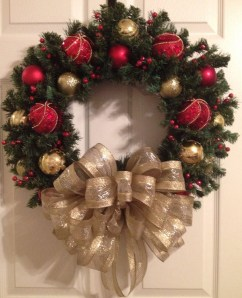 Totally Inspiring Red And Gold Christmas Decoration Ideas 14