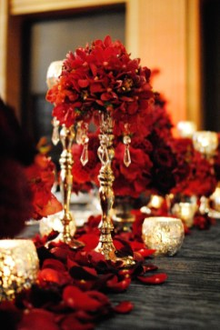 Totally Inspiring Red And Gold Christmas Decoration Ideas 42