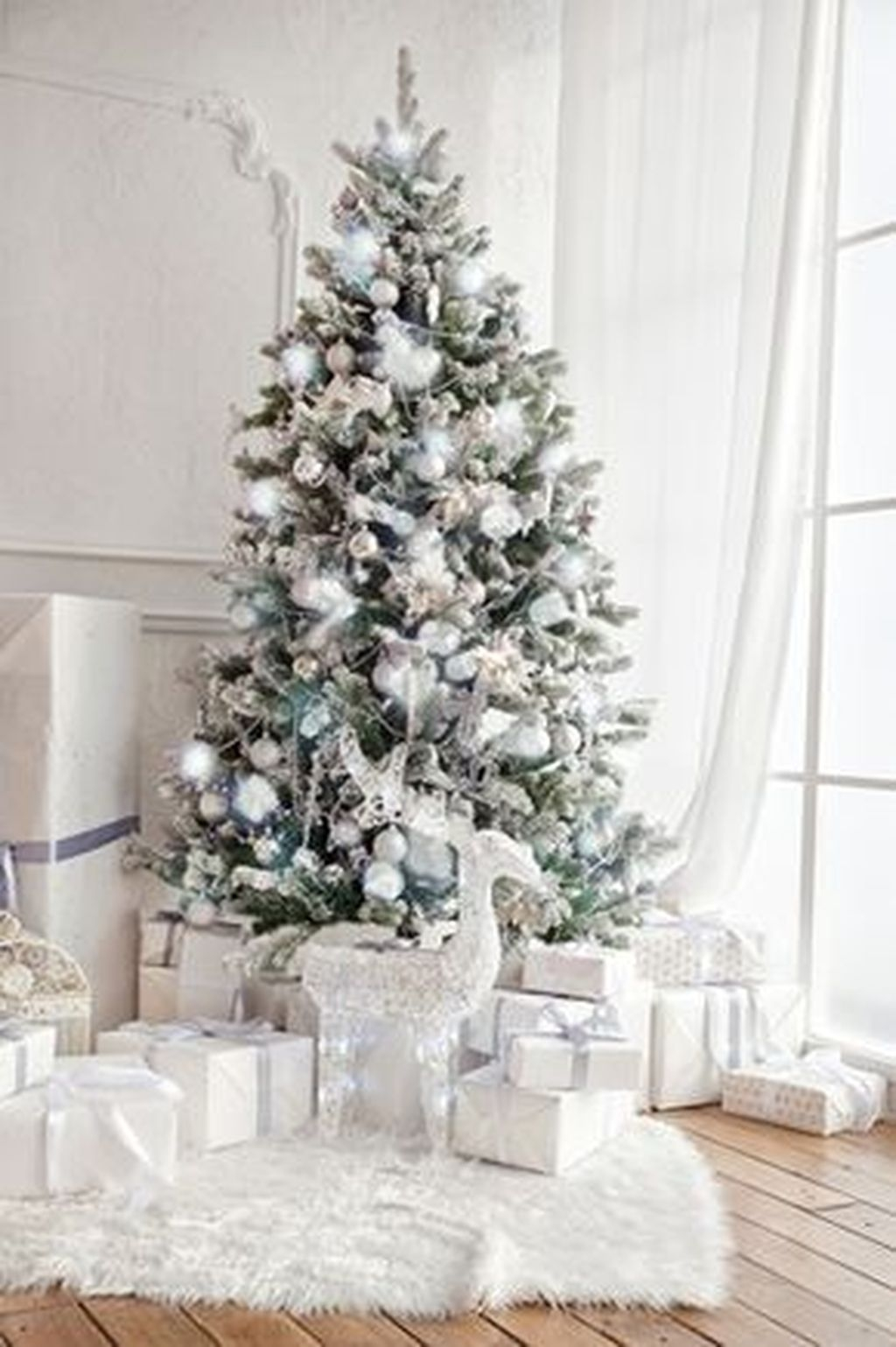 Totally White Vintage Christmas Decoration Ideas54