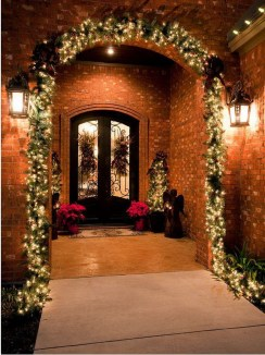Traditional Christmas Decoration Ideas You Will Totally Love 19