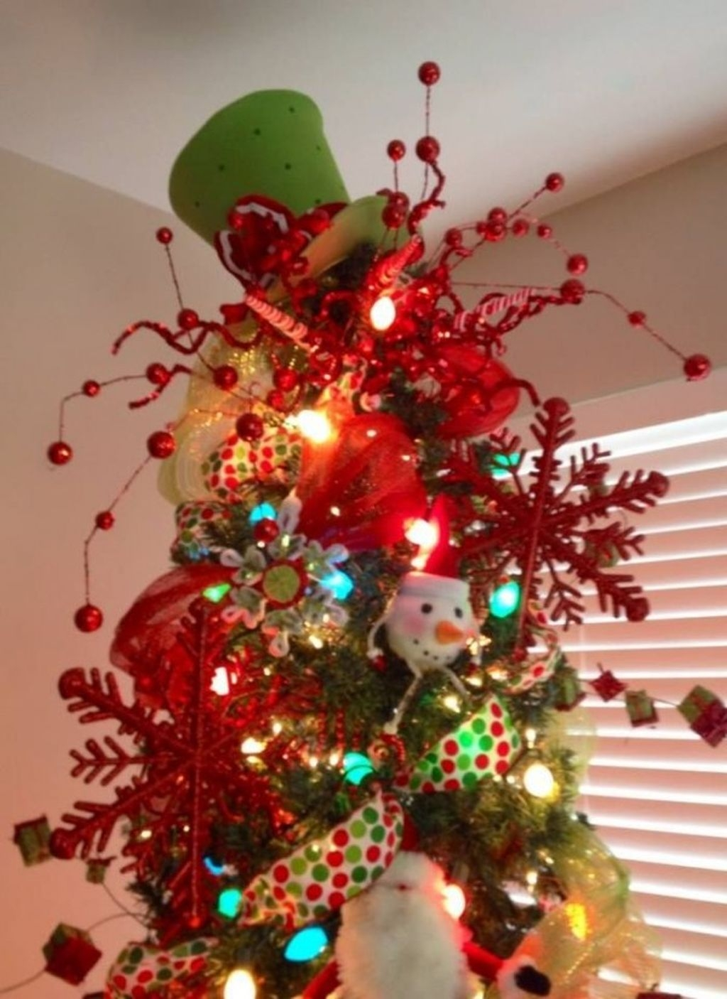Unique But Inspiring Christmas Tree Toppers Decoration Ideas 05