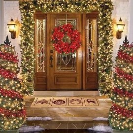 Welcoming And Cozy Christmas Entryway Decoration Ideas03