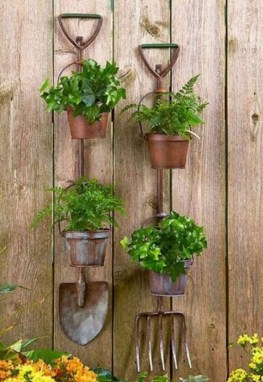 Awesome And Affordable Vertical Garden Ideas For Your Home 26
