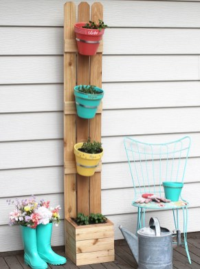 Awesome And Affordable Vertical Garden Ideas For Your Home 41