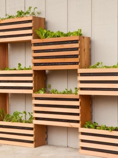 Awesome And Affordable Vertical Garden Ideas For Your Home 46