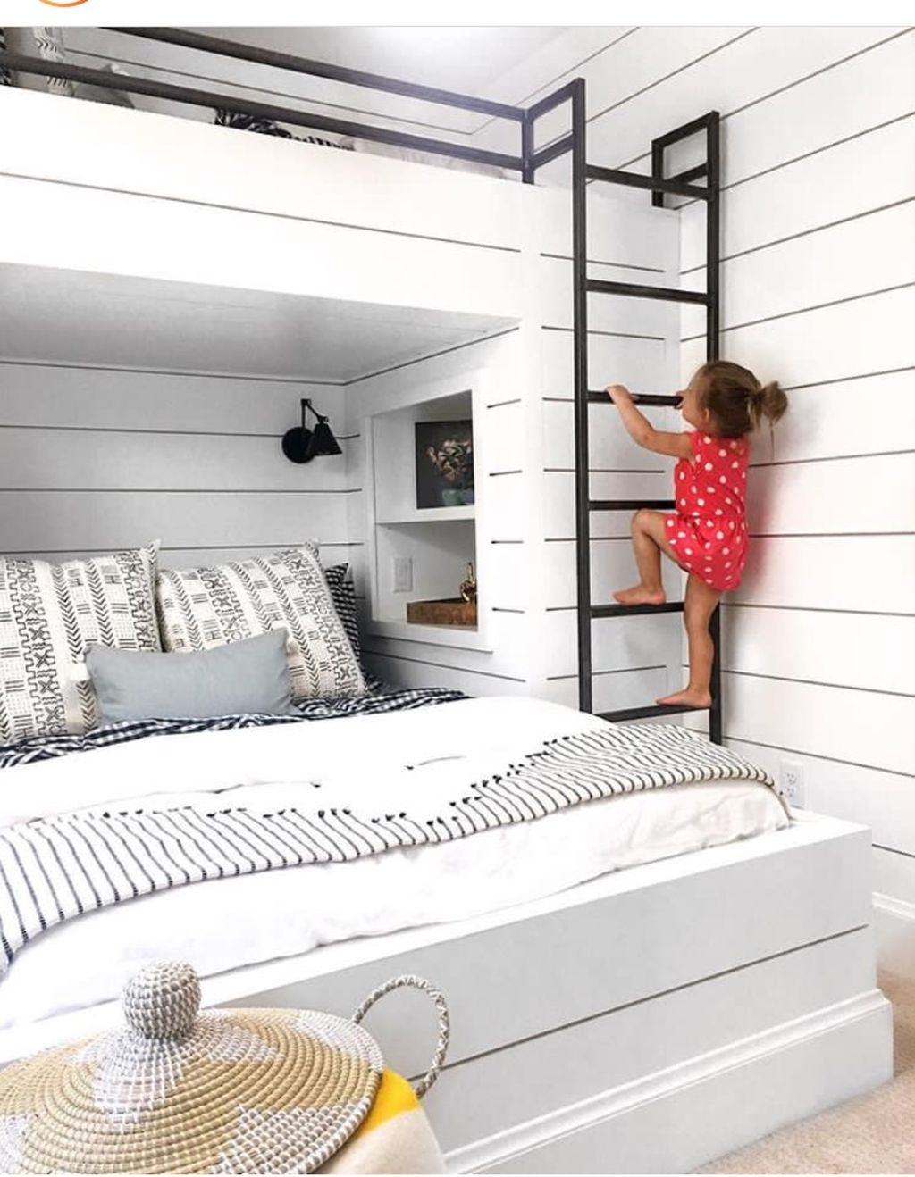 Cool And Functional Built In Bunk Beds Ideas For Kids42