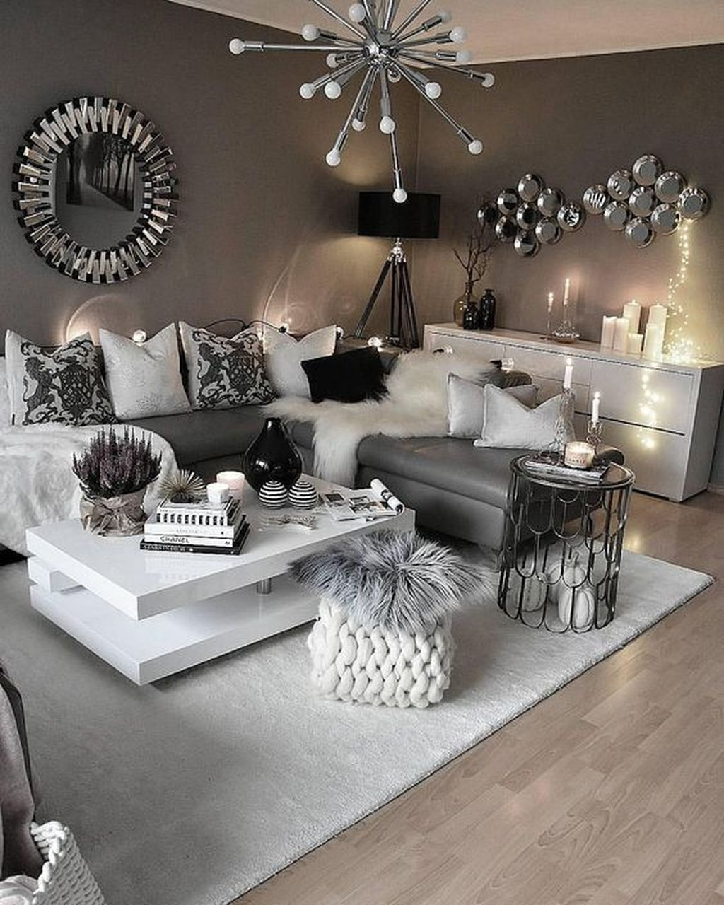 Cozy And Modern Living Room Decoration Ideas 18