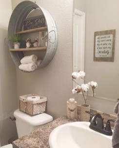 Cozy And Relaxing Farmhouse Bathroom Design Ideas24