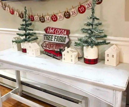 Cozy Plaid Decor Ideas For Christmas 06