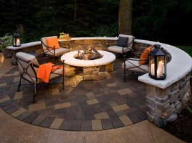 Cozy Rustic Patio Design Ideas22