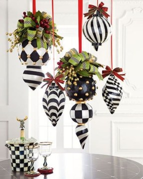 Cute Whimsical Christmas Ornaments Ideas For Your Holiday Decoration 35