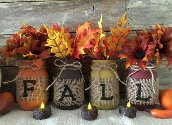 Inspiring Rustic Fall Mantel Decoration Ideas 04