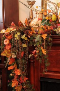 Inspiring Rustic Fall Mantel Decoration Ideas 14