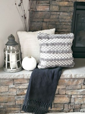 Inspiring Rustic Fall Mantel Decoration Ideas 26
