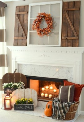 Inspiring Rustic Fall Mantel Decoration Ideas 27