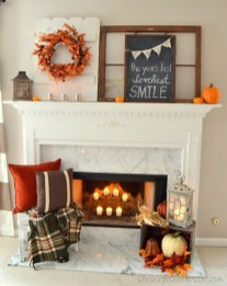 Inspiring Rustic Fall Mantel Decoration Ideas 42