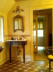 Lovely Sunny Yellow Bathroom Design Ideas 02
