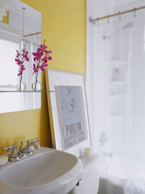 Lovely Sunny Yellow Bathroom Design Ideas 08