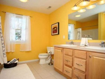Lovely Sunny Yellow Bathroom Design Ideas 09
