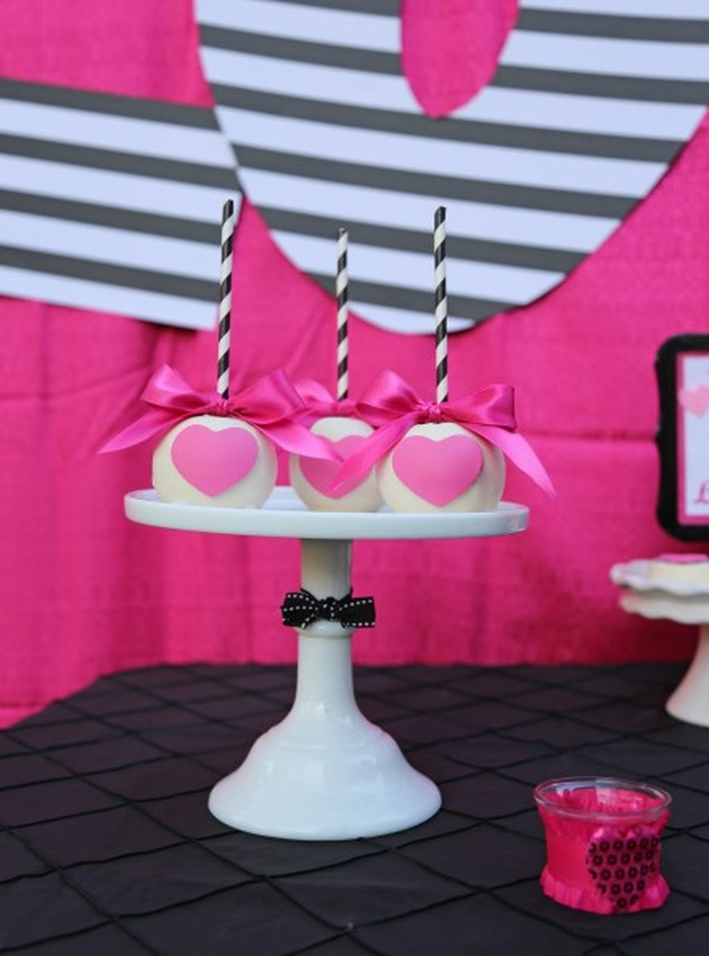 Adorable Valentines Day Party Decoration Ideas 28