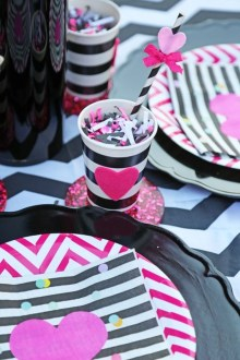 Adorable Valentines Day Party Decoration Ideas 30