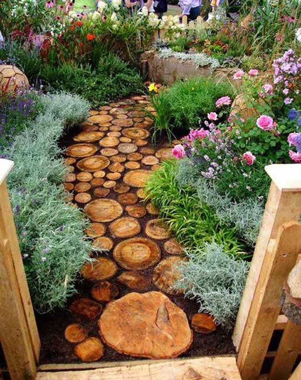 Beautiful Garden Design Ideas On A Budget 08