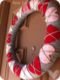 Cute Valentine Door Decoration Ideas You Should Try 34