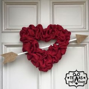 Cute Valentine Door Decoration Ideas You Should Try 41