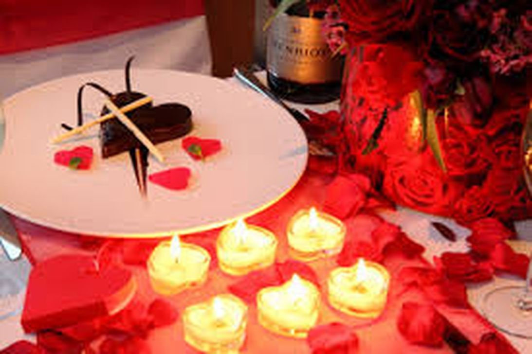 Inexpensive But Stunning Valentine Decoration Ideas 12
