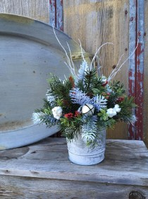 Stylish Winter Centerpiece Decoration Ideas 09