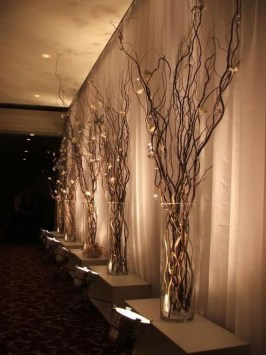 Stylish Winter Centerpiece Decoration Ideas 41