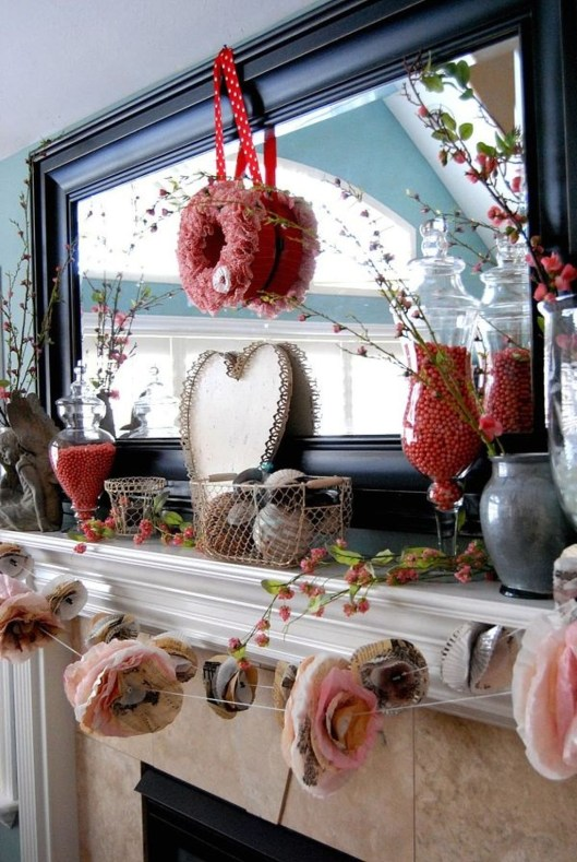 Totally Cool Valentine Mantel Decoration Ideas 09