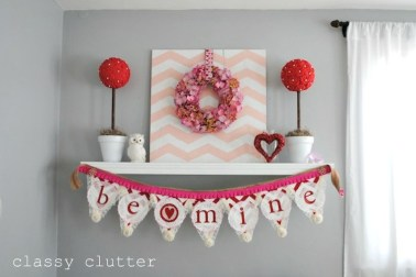 Totally Cool Valentine Mantel Decoration Ideas 26