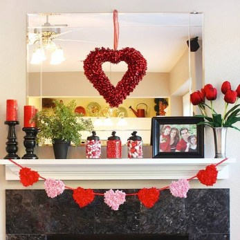 Totally Cool Valentine Mantel Decoration Ideas 34
