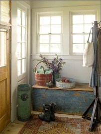 Adorable Farmhouse Entryway Decorating Ideas 02