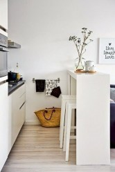 Brilliant Small Apartment Studio Decorating Ideas 41