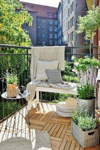 Cozy Apartment Balcony Decorating Ideas 01